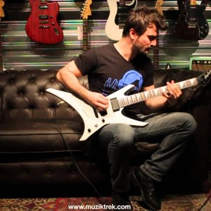 Jackson   Warrior WRXTMG Quicksilver Test-Müziktrek