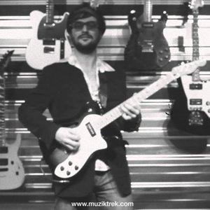 Fender - Modern Player Telecaster Thinline Deluxe Test-Müziktrek