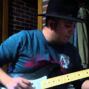 Stevie Ray Vaughan - Scuttle Buttin  (uur cover)