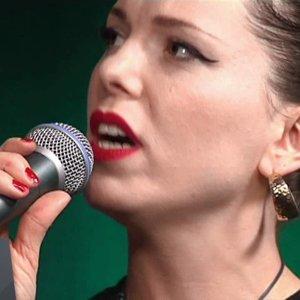 Imelda May - Tainted Love ( Reprise de Gloria Jones ) - YouTube