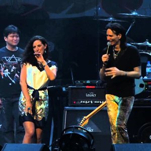 Steve Vai - Build Me A Song (with Alif Putra) (Live in Singapore 2014) - YouTube