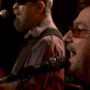 Blue Oyster Cult - Burnin' For You (Live 2012) HD - YouTube