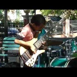 Insane Kid Bassist - Michael Lima (Pipoquinha) - YouTube