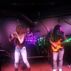 The Madcap - Emre improvises guitar solo over Reckless...   Facebook