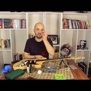Fender USA Deluxe Stratocaster Üzerinde İyileştirmeler - Callaham Köprü Değişimi - YouTube