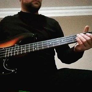 Black sabbath ıron man distortion bass intro