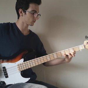 Buğra Ayan Muse-Hysteria (Bass Guitar cover)