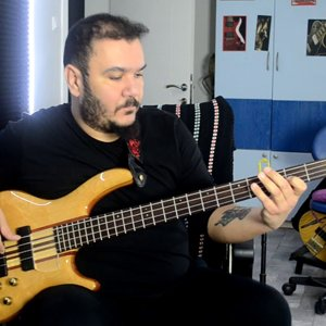 Michael Jackson - Billie Jean (Bass Guitar Cover By Gökhan Yumuşakdemir)