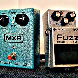 Comparison 3: Boss FZ-5 Fuzz VS. MXR Classic Fuzz (Digital Fuzz vs. Analog Fuzz)